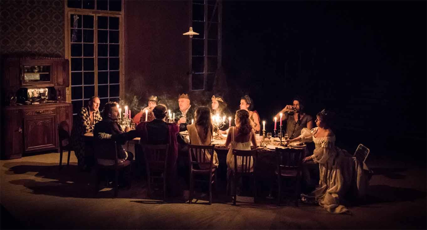 Weihnachten en Famille, und ein Shakespeare als Spiel